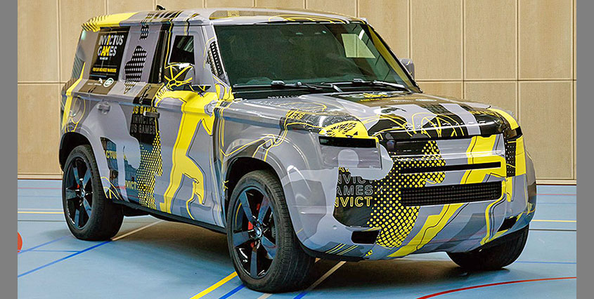 Land Rover Defender 2020 показали принцу Гарри
