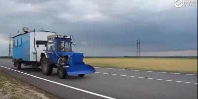 Человек на карте. 20 000 км на самодельном тракторе с вагончиком-домом
