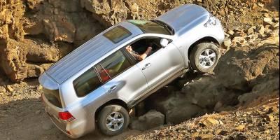 ТОП-10 самых популярных дорогих SUV в России возглавляет Land Cruiser 200