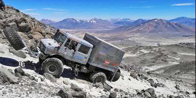 Автоальпинизм: «Унимог» поднялся на рекордную для автомобилей высоту