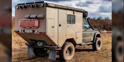 Умелец превратил УАЗ «Карго» в дом на колесах