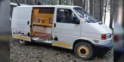Из старенького Volkswagen Transporter сделали дешёвый, но уютный кемпер