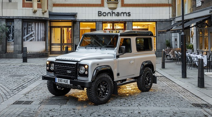 Land Rover Defender N 2 000 000