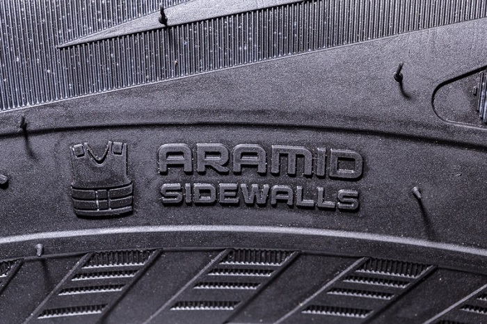 Покрышки с Aramid Sidewall Technology