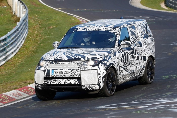 Land Rover Discovery 5 вышел на «Петлю»
