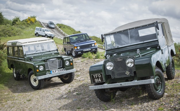Land Rover организовал раритетный off-road - Heritage Driving Experience