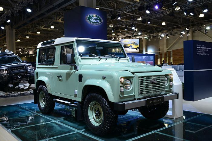 Land Rover Defender в специальной версии Heritage на MOSCOW OFF-ROAD SHOW